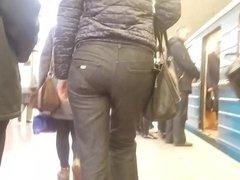 MILF's ass in metro