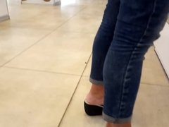 her sexy feets hot toes at shopping