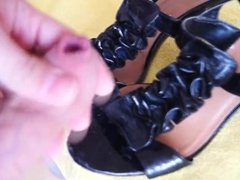 Cumming on girl friend's old, well used clubbing heels