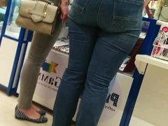 Big butt milfs in tight jeans Pt.2