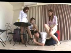 Japanese Women Show off Smelly Feet and Well Worn Heels