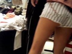 sexy teen ass, ass cheeks in short shorts