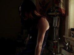 Emmy Rossum - Shameless (S01E01)