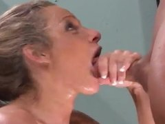 Amazing BlowJob From a Stunning Milf