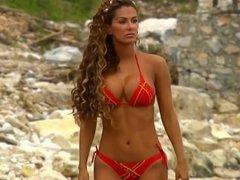Ninel Conde bikini