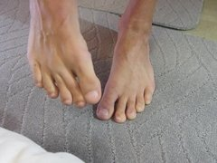 SPIT & SUCK ON MY PERFECT TOES