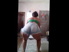 Novinha do Rabao Gostoso Dancando Funk: Copo De Catuaba