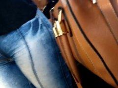 Bucetuda de jeans no onibus