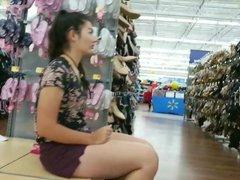 Big smooth legs chick shoe shopping