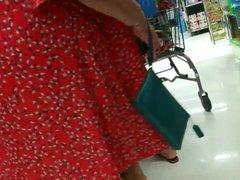 Granny upskirt no panties