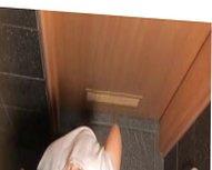 voyeur polish worker caught in bathroom (spy WC cam)
