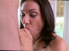Amateur Cougar is a First Timer
