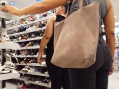 Candid voyeur incredible ass beautiful milf shopping