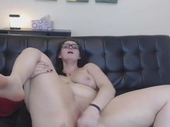 Teen brunette Scarlet with huge booty masturbates