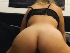 Thicc GF Loves To Ride Dick And Get's Creampied