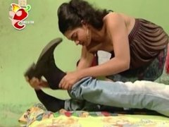 Desi lankan actress seducing hot