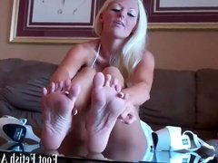 Suck my toes and pamper my feet slave boy