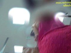 Mostrando a bucetinha debaixo do vestido rosa