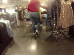 This pawg azz was so big u have to see this... big thang