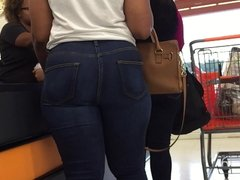 Sexy Thick Ebony Big Hips and Ass in Jeans