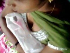 tamil school girl deep boobs cleavage in bus