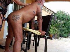 Sodomie contre une chaise