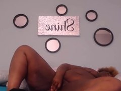 Squirting ebony BBW Daizy with big booty fucking huge dildo