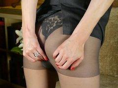 Skinny mature mother bating in stockings