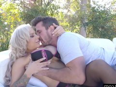 Gonzo - Alyssa Lynn big tits pawg gets fucked raw