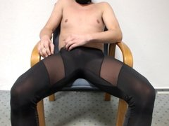 User ask me to wank in Spandes Lycra cum