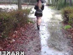 Blonde with big ass naked in the park shows us her body