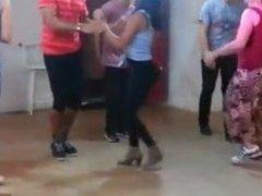 FAT ASS PORTUGUESE ASS (learning to dance)