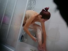 MILF Mother shave her pussy