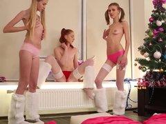 3 girls dance for Xmas