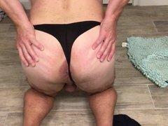 Jerk off in panties