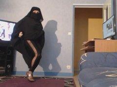 musulmane danse en jilbab et niqab