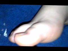 5 shot on her feet (compilation)
