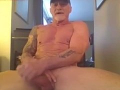 Mature Muscle Daddy Webcam 2