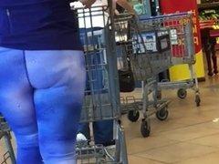 Sexy Latina MILF Ass in Spandex