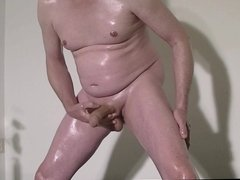 oiled up and jerking off 310