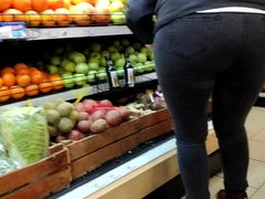 Big ass girls in tight jeans