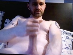 Bearded daddy jerking his huge dick on cam