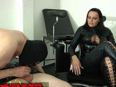 Slave must do blowjob - lession at german bdsm femdom domina