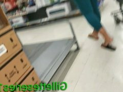 Milf mom nice candid ass in spandex shopping