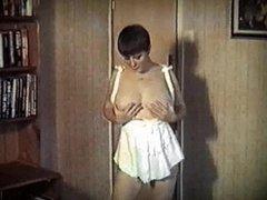 SEXOMATIC - vintage bouncy big tits strip dance