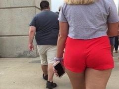 Short Shorts Juicy Ass Jiggly Pawg