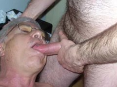 Sucking big cock ans swallowing cum