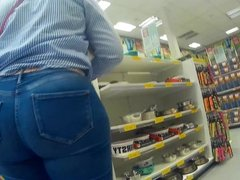 Candid big ass redhead in tight jeans