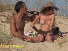 Beach Voyeur Amateurs Nudist Close Up Shaved - Hairy Pussy